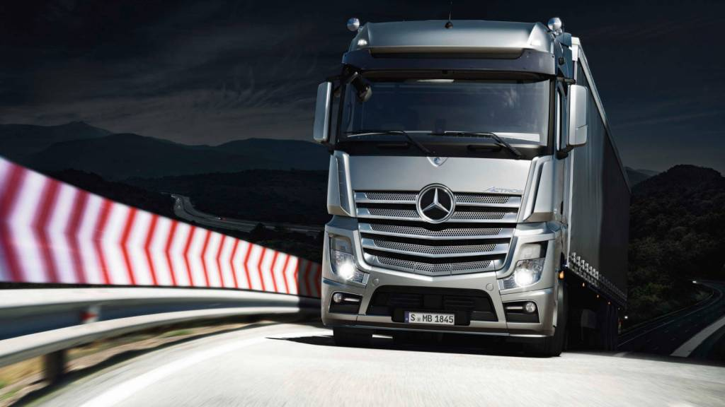 2016 model Mercedes Benz Actros ve Arocs (95)